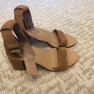 NWT LF Bettye heels
